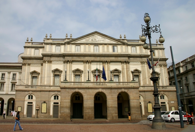 World___Italy_La_Scala_Opera_House_in_Milan__Italy_062335_